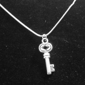 Vintage Dimond Key .925 Sterling Silver Necklace